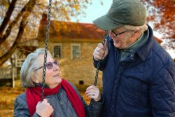 Let Senior LIFE support you in your long distance caregiving.