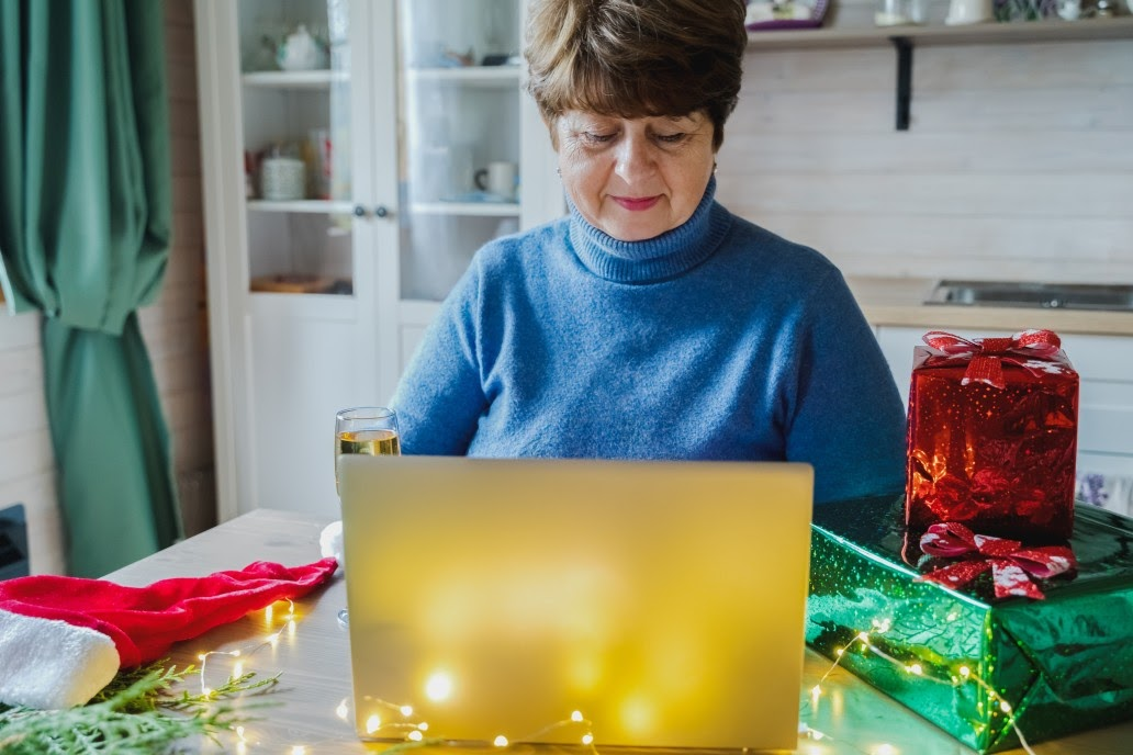 How To Entertain Elderly Parents During The Holiday Season